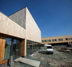 Le collège d'Héric en Loire Atlantique et le 1er de la région a avoir été bâti en respectant l'objectiif BBC. #batiment #BBC,  #bois massif