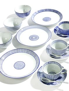 Feeling by Serax - Design Marie Michielssen Ceramic Tableware, Ceramic Mugs, Porcelain Ceramics, Blue Pottery, Pottery Art, Blue Dinnerware, Everyday Dishes, White Cups, Blue And White China