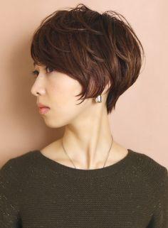 菱形シルエットのフレンチショート(髪型ショートヘア)