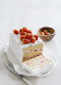 Strawberry dream - the best recipe for strawberry layer cake. This dinner-party dessert is made with vanilla sponge, filled with strawberry mascarpone cream with Italian meringue frosting.