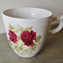 Cup with flowers. Stoneware. http://epla.no/shops/kunstverk_kathrine_elverum/