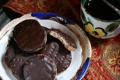 Pyszne herbatniki w polewie czekoladowej. Bez glutenu, bez nabiału, bez jajek. Wegańskie. – Bezglutenowe jadło