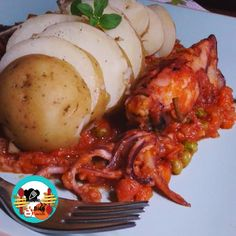 Calamares rellenos Relleno, Pork, Eggs, Meat, Chicken, Breakfast, Tv, Fish Recipes, Snacks