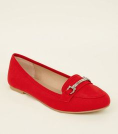 Shop nothing but the latest footwear this season from out New In collection. Be a trend setter and turn heads for all the right reasons. New Look Uk, Shoe Collection, Latest Trends, Footwear, Loafers, Red, Shoes, Shopping, Black