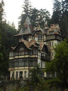 Category:Historical monuments in Sinaia Historical Monuments, Paper Houses, After School, Eastern Europe, Natural Wonders, Romania, Countryside, The Good Place, Beautiful Homes