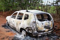 CAMAÇARI: Homem é encontrado morto dentro de porta malas de carro queimado próximo a Continental #LEIAMAIS  WWW.OBSERVADORINDEPENDENTE.COM
