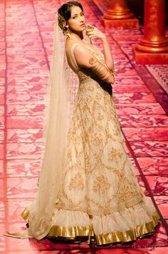 Indian Wedding Dresses By Suneet Varma At Indian Bridal Fashion Week 2013 009