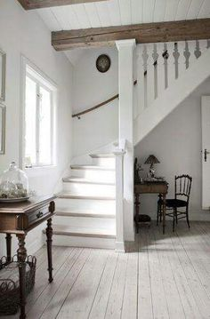 Awesome Modern Farmhouse Staircase Decor Ideas - Page 65 of 75 - Afifah Interior Sweet Home, Painted Stairs, Design Case, Farmhouse Decor, Farmhouse Stairs, Modern Farmhouse, Farmhouse Style, Country Decor, Cottage Staircase