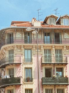 Place Massena, Nice, South of France Pink Walls, South Of France, Mansions, Nice, House Styles, Places, Home Decor, Decoration Home, Manor Houses