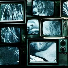 installation art with TVs Fallout New Vegas, Design Retro, Video Installation, Glitch Art, Retro Aesthetic, Retro Futurism, Medium Art, Belle Photo, Cyberpunk