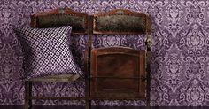 Die Tapete Boheme besticht mit ihrem kunstvollen Design. Die großen Ornamente bringen Stil und Eleganz in Ihr Zuhause und sind eine ganz besondere Wandverzierung.