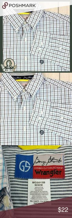 """Wrangler Mens Button Front size M Modern style Wrangler button front  Checkered classic.  100% Cotton  Size M chest 23"""" across, sleeve 24"""", length 32.5"""" Wrangler Shirts Casual Button Down Shirts"""