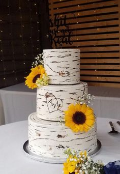 Wood Rustic White Wedding Cake With Sunflowers Birch Wedding Cakes, 3 Tier Wedding Cakes, Country Wedding Cakes, Small Wedding Cakes, Wedding Cake Rustic, Rose Wedding, Fall Wedding, Dream Wedding, Wedding Ideas