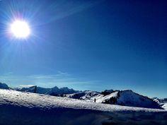 Schneeschuh Wanderung. Mittagsrast und die Sonne knallt uns zmitzt a Gring. @Lockerz