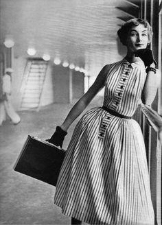 Vogue July 1952 - model Ruth Neumann-Derujinsky