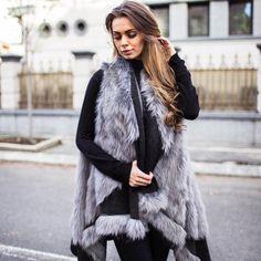 Vesta dama cu blanita asimetrica negru cu gri Fur Coat, Long Hair Styles, Casual, Jackets, Fashion, Jacket, Down Jackets, Moda, Fashion Styles