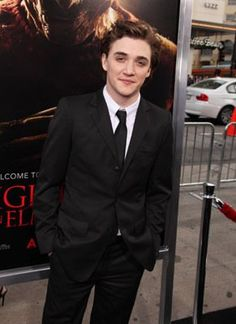 "Kyle Gallner, Actor: A Nightmare on Elm Street. Kyle Gallner was born in West Chester, Pennsylvania. He started his career by following his sister along to one of her auditions. Perhaps best know for his role as Cassidy ""Beaver"" Casablancas on the CW's lone hit series, ""Veronica Mars"" (2004- ), actor Kyle Gallner had been appearing in films and on television since his early adolescence. Born on Oct. 22, 1986 and originally from Philadelphia, PA..."