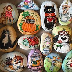 İyi gecelerrrr 🐱🐶 #handmade #handpainted #taşboyama #cat #catofinstagram #dog #dogsofinstagram Stone Painting, Rock Painting, Diy Photo Ornaments, Story Stones, Pet Rocks, Cool Paintings, Rock Art, Cat Art, Painted Rocks