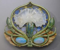 Lalique 1900-02 'Carnation' Brooch: gold/ cast glass/ enamel/ opals