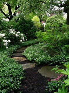 Urban Garden Design shade garden by MyohoDane Amazing Gardens, Beautiful Gardens, Gray Gardens, Unique Garden, Natural Garden, The Secret Garden, Woodland Garden, Garden Cottage, Garden Living