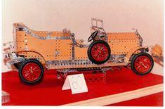 Automovil Rolls Royce antiguo. Radio controlado. Modelo propio. Piezas MECCANO