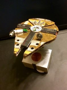Falcon, ver Created From Junked Computer Parts PREORDER Millennium Falcon ver Created From Junked by shankalonianMillennium Falcon ver Created From Junked by shankalonian Computer Diy, Ipod, Salvage Parts, Electronic Art, Electronic Recycling, Star Destroyer, Old Computers, Millennium Falcon, Recycled Art