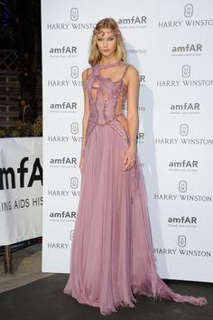 Karlie Kloss en robe Atelier Versace automne-hiver 2015-2016