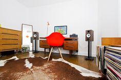 My Vintage/Retro Bedroom & its new Hi-Fi Setup by Stickars, via Flickr
