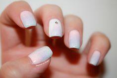 ▲ Inspinails : Gradient Licorne d'après Pshiiit by diamant sur l'ongle