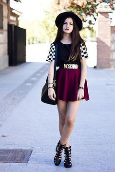 Qual o Look Mais Lindo da Moschino Que Saiu Das Passarelas Para Virar Moda? http://wnli.st/1Q8k0Mp #Moschino