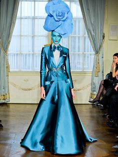 Alexis Mabille's haute couture spring 2012 runway show was unveiled on one of the many catwalks of Paris fashion week Paris Couture, Haute Couture Fashion, Spring Couture, Alexis Mabille, Runway Fashion, High Fashion, Fashion Show, Quirky Fashion, Fashion Studio