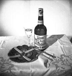 Foto del ron el Brugal. Durante la segunda mitad del siglo XIX, Andrés Brugal Montaner, ciudadano español que había emigrado de Sitges (Cataluña) a Santiago de Cuba, decide trasladarse a la República Dominicana para fijar su residencia en Puerto Plata. Mientras está en Cuba, Andrés adquiere experiencia en la fabricación de ron y, en base a esa experiencia, funda Brugal & Co. en Puerto Plata en 1888 (fecha que da nombre a una de las variedades de la marca).