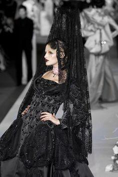 Linda Vojtova for Christian Dior Haute Couture Fall 2007