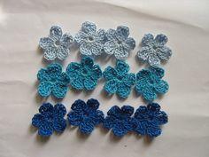 fr_fleurs_au_crochet_en_coton_ton_bleu_par_12_appliques_