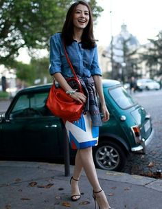 Another simple denim with pencil skirt and striking red sling bag.  Gao Yuan-yuan with her Red Le Pliage Cuir