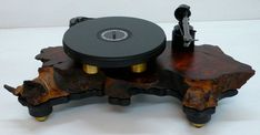 Audiowood El Diablo Plattenspieler von Etsy. Kaufpreis, 4250 US-Dollar. Sehr schöne Symbiose aus Kunst und Technik.