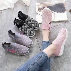 Korean Shoes, Vans Classic Slip On, Facebook, Sneakers, Fashion, Tennis, Moda, Slippers, La Mode