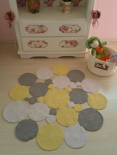 Crochet Doily Rug, Loom Crochet, Crochet Carpet, Crochet Rug Patterns, Crochet Box, Crochet Motifs, Crochet Teddy, Rope Crafts, Crochet Decoration