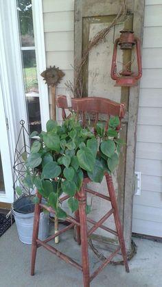 Gorgeous 75 Vintage Farmhouse Front Porch Decor Ideas https://homespecially.com/75-vintage-farmhouse-porch-ideas/