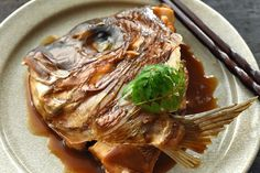 鯛のかぶと煮(あら炊き)の写真