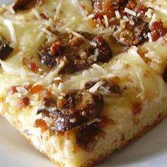 Deep Dish Alfredo Pizza Recipe - Just for the Alfredo Sauce