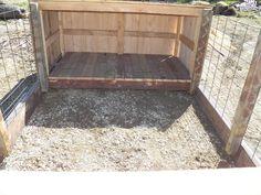 Nice pig shelter, close half of the front. Small Pigs, Small Farm, Pig Farming, Backyard Farming, Pig Shelter, Raising Farm Animals, Pot Belly Pigs, Pig Pen, The Barnyard