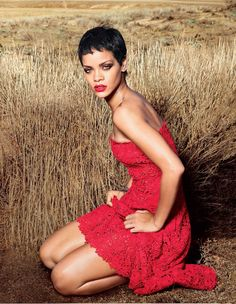 Rihanna for Vogue US by Annie Leibovitz in 2012 Annie Leibovitz Photos, Annie Leibovitz Photography, Moda Rihanna, Rihanna Vogue, Rihanna Fenty, Rihanna Pixie, Red Fashion, Fashion Beauty, Look Rock Chic