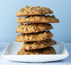 Lactation Cookies Recipes – 3 of the best to try and boost your supply Boost your supply! 3 recipes for lactation cookies – Stuckonyou Oatmeal Butterscotch Cookies, Oatmeal Cookies, Baby Food Recipes, Gourmet Recipes, Cookie Recipes, Food Baby, Veggie Recipes, Coconut Cookies, Healthy Cookies