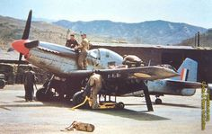 Flying Cheetahs: SAAF Mustangs in Korea The Mustang and the SAAF did not meet for the first time in Korea. Early models of this Briti. Ww2 Aircraft, Fighter Aircraft, Military Aircraft, Fighter Jets, Military Weapons, Time In Korea, Air Force Day, South African Air Force, Korean Air