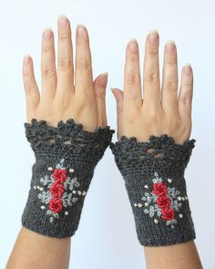Dark gray wrist warmers with embroidered roses knitted fingerless gloves, gloves & mittens, gift ideas for her winter accessories, gray - ~°°~ Handstulpen - Knitting Ideas Diy Tricot Crochet, Bandeau Crochet, Crochet Gloves Pattern, Hand Crochet, Hand Knitting, Crocheted Lace, Knitting Patterns, Knitting Accessories, Winter Accessories
