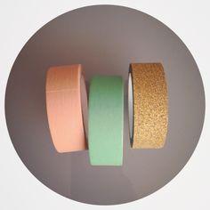 Masking tape pêche, vert menthe, et or glitter. Couleurs idéales pour un mariage !