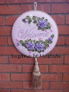 Suzana Mustafa: Hanging mur