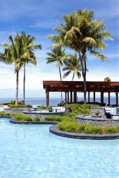 Sheraton Fiji Resort - Flying Fish Booths across the Poo #fiji #happinessl