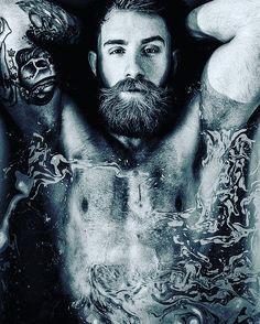 #barberlife #barbershop #beardcare #grooming #beardgang #moustaches  #bearded #barba #beardy #instabeard #beardnation #beardoil #beard  #barbas #beardedmen #beardlove #beardgrooming #groomingproducts  #beardedman #beardporn #beardlife #barbudos #españa #madrid #barcelona #gay #matinee by lamejorbarba